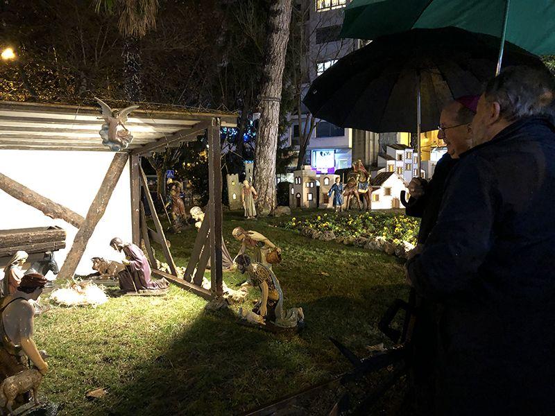 El tradicional Belén ya luce en la Plaza de la Hispanidad de Cuenca