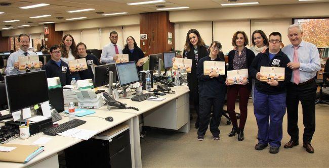 Eurocaja Rural muestra su apoyo a Down Toledo a través de la adquisición de sus calendarios solidarios