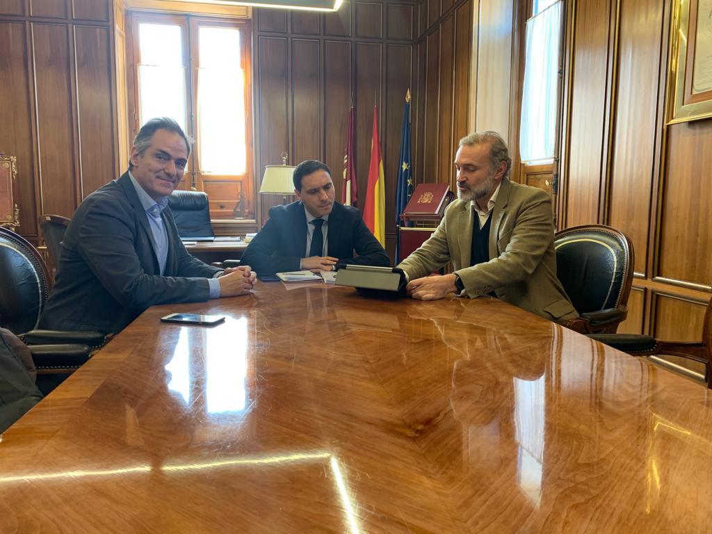 La Diputación de Cuenca promocionará el mundial de combate medieval de Belmonte en la próxima edición de FITUR