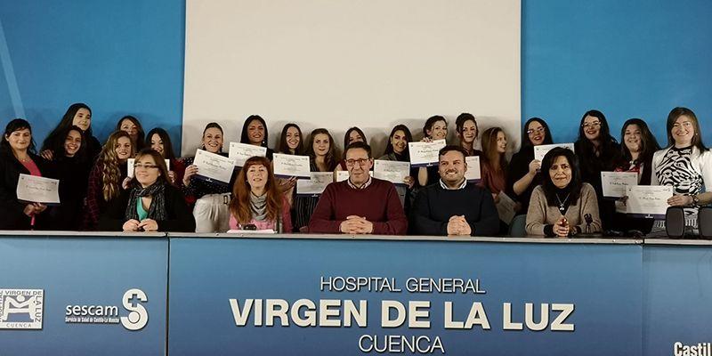 La Gerencia despide a los alumnos que se han formado en el Hospital Virgen de la Luz como Técnicos de Cuidados Auxiliares de Enfermería