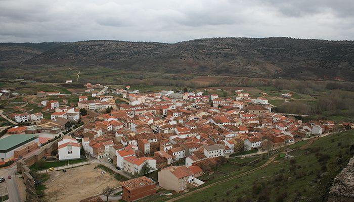 La Guardia Civil detiene a dos personas por robar cerca de 1500 tejas de una explotación ganadera en Cañete