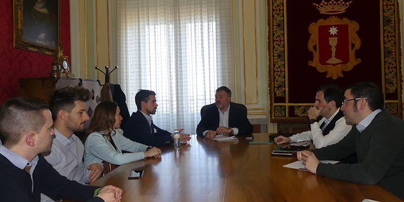 AJE y Ayuntamiento de Cuenca trabajarán de manera conjunta para desarrollar un plan que facilite la creación de empresas