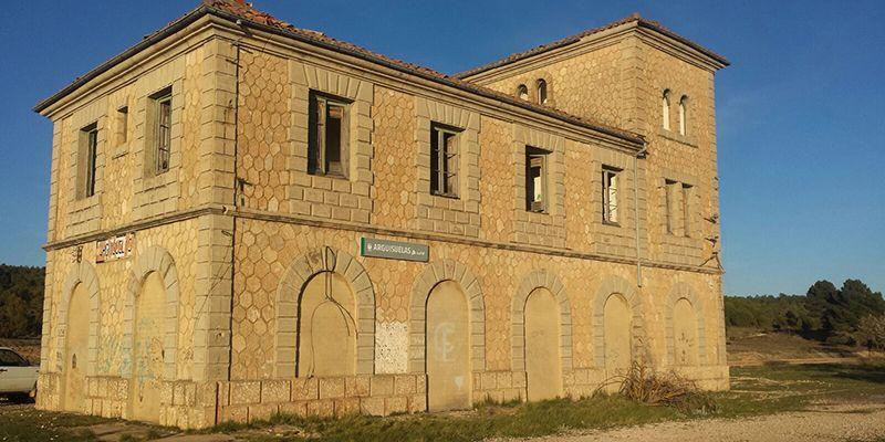 El PP denuncia que la Diputación paraliza el 'Serranía en Vía' anulando la rehabilitación de las estaciones de Arguisuelas, Yémeda-Cardenete y Mira