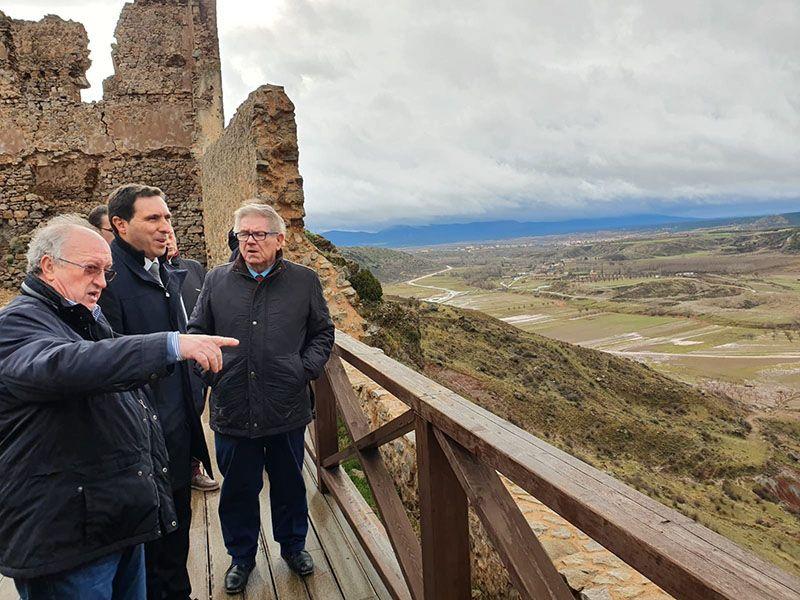 La Diputación de Cuenca invertirá 200.000 euros en el Conjunto Histórico de Moya para actuar en las murallas y la torre del homenaje