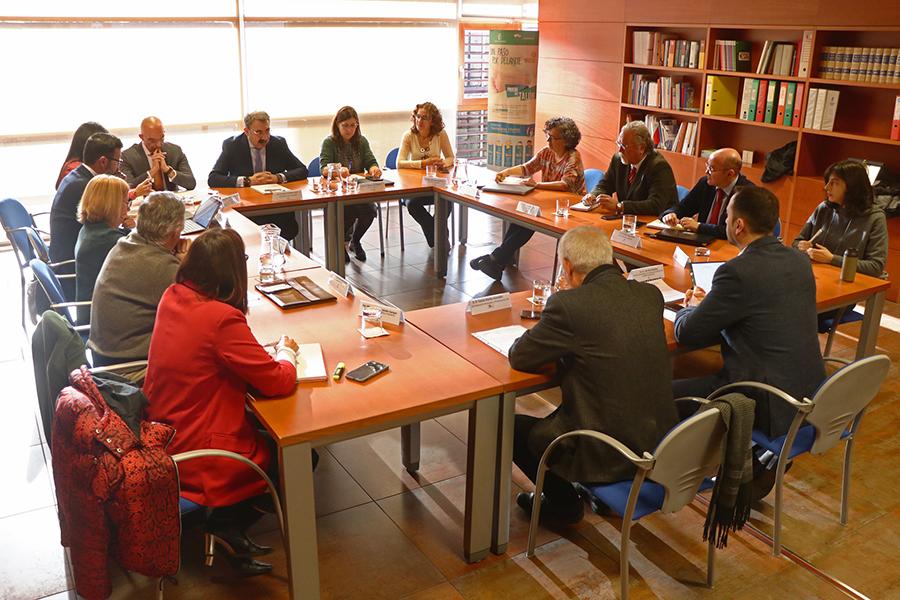 El Gobierno de Castilla-La Mancha habilita la línea telefónica 900-122-112 para ofrecer información veraz y recomendaciones de prevención frente al coronavirus