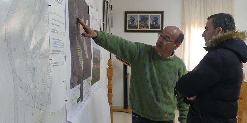 Invierte en Cuenca se interesa con el alcalde de Zarzuela sobre los proyectos empresariales del municipio