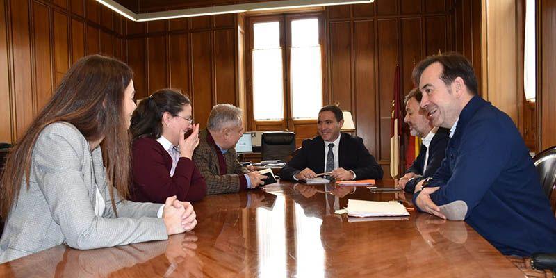 La Diputación y el Ayuntamiento de Cuenca desarrollarán un sello de calidad para adecuarse a las demandas turísticas