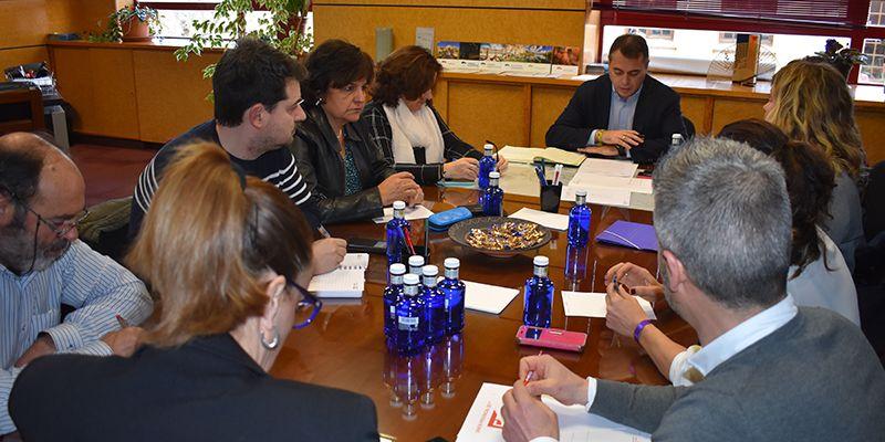 La Junta, la Inspección de Trabajo y los agentes sociales estudian intensificar acciones en materia de prevención de riesgos laborales en Cuenca