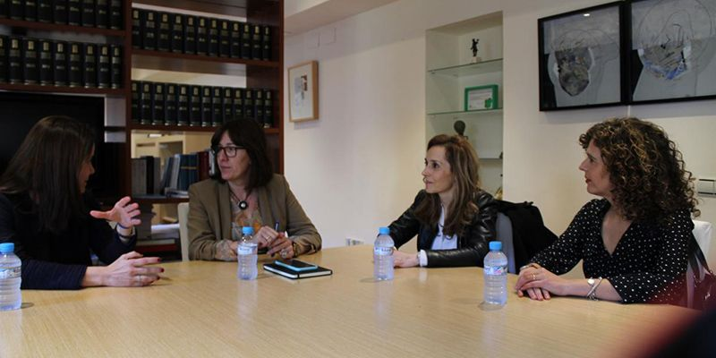 La Junta subraya la necesidad de mejorar la visibilidad del liderazgo de las mujeres en la Administración pública