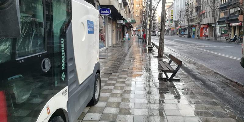El Ayuntamiento de Cuenca efectúa baldeos mecánicos de limpieza con jabón en base a alcoholes