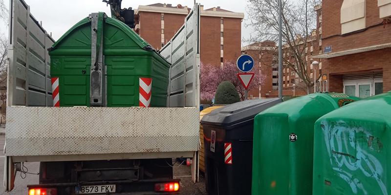 El Ayuntamiento de Cuenca renueva más de 100 contenedores en diferentes zonas de la ciudad
