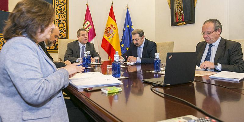 El Gobierno de Castilla-La Mancha avanza un decálogo de medidas para mitigar el impacto del coronavirus en el tejido empresarial de la región
