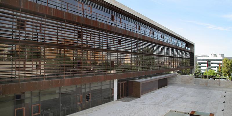El Gobierno de Castilla-La Mancha prohíbe el acceso de los ciudadanos a centros públicos a excepción de los sanitarios