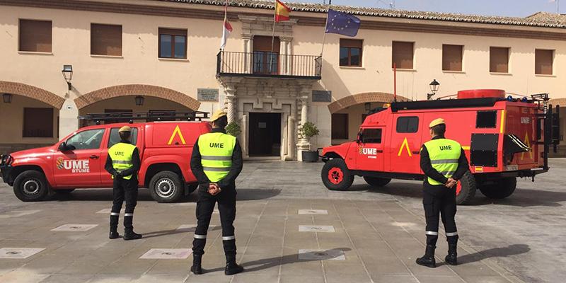 El Ministerio de Defensa despliega efectivos de la UME en Quintanar del Rey para apoyar en la labor de garantizar la seguridad y la de desinfección