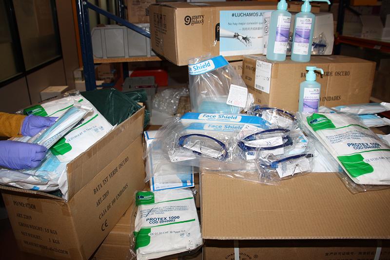 La Junta está distribuyendo este viernes casi 10.000 artículos de protección para los profesionales de los centros sanitarios y sociosanitarios de la provincia de Cuenca