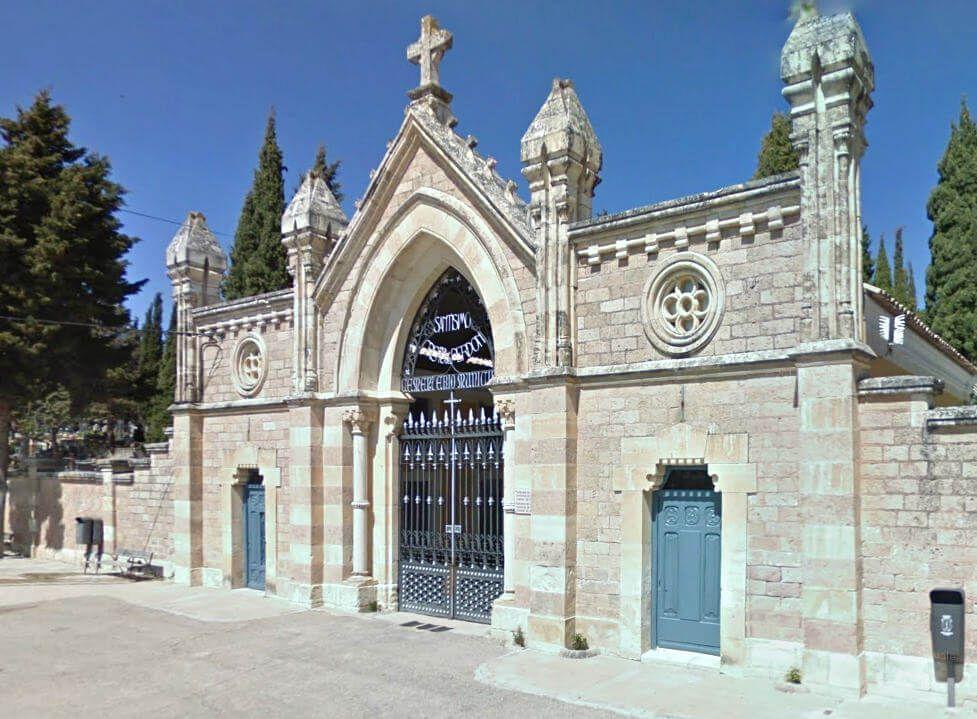 Suspendidos los velatorios y restringidas las comitivas fúnebres a ocho personas guardando 1,5 metros de separación