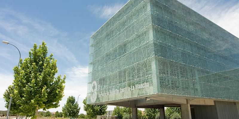 Castilla-La Mancha mantiene su criterio prioritario de realizar pruebas a todos los profesionales del SESCAM que hayan tenido síntomas compatibles con coronavirus