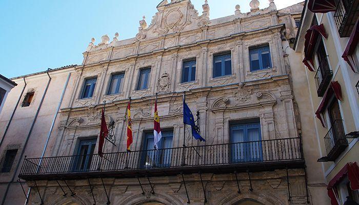 El Ayuntamiento de Cuenca retrasa y amplía los plazos para el pago de impuestos, y suspende el devengo de algunas tasas y precios públicos de servicios