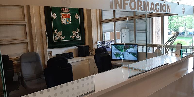 La Diputación de Cuenca coloca mamparas de cristal para proteger a los trabajadores y trabajadoras provinciales