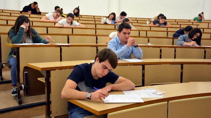 La UCLM convocará una prueba oficial del B1 de inglés y francés en línea y gratuita en el mes de junio