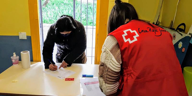 Cruz Roja Cuenca conecta al Éxito Escolar a medio centenar de familias