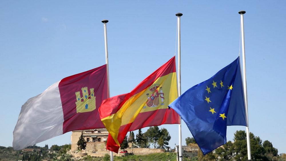El Día de la Región se viste de luto en recuerdo a los fallecidos víctimas de la COVID, y rinde homenaje a los colectivos destacados por su entrega