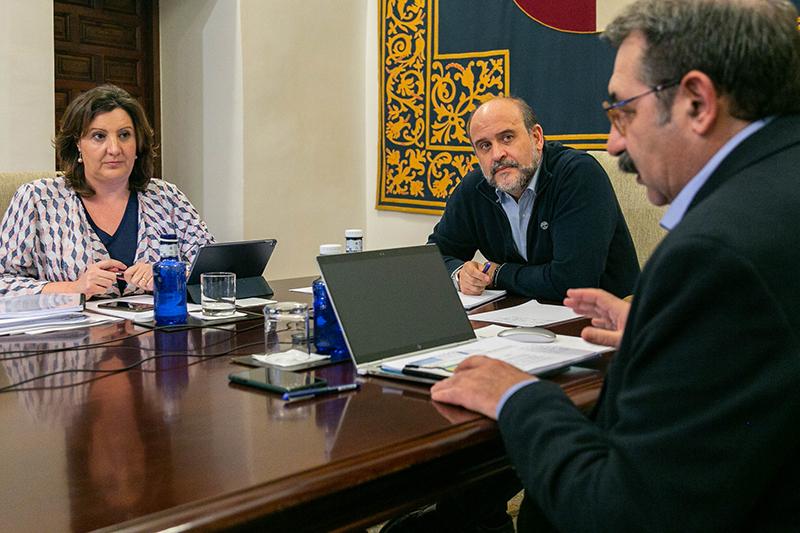 Gobierno regional y agentes sociales acuerdan un Plan de Medidas Extraordinarias para la Recuperación Económica dotado con más de 231,6 millones de euros