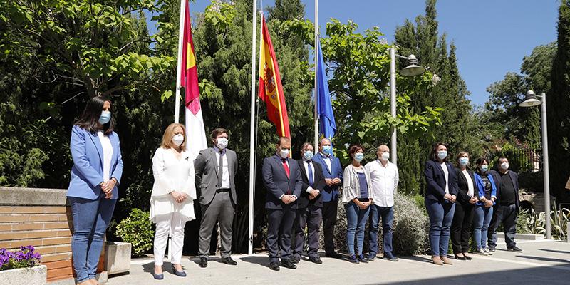 Las Cortes regionales guardan un minuto de silencio en memoria de las víctimas del coronavirus