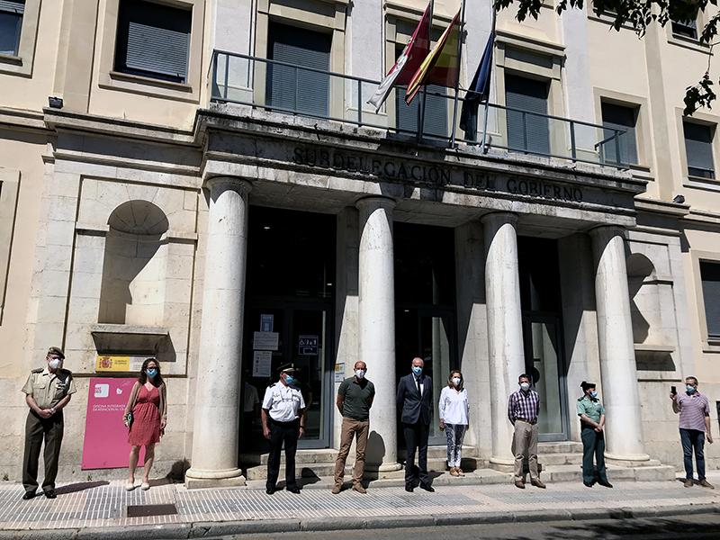 Minuto de silencio en la Subdelegación del Gobierno de España en Cuenca