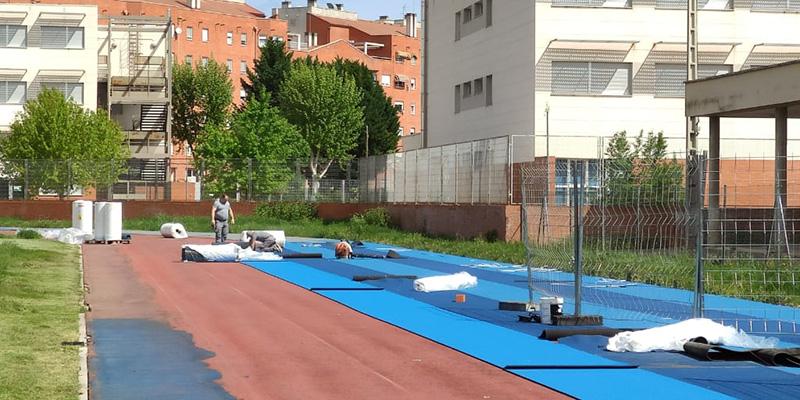 Se reanudan las obras de la pista de atletismo 'Luis Ocaña'