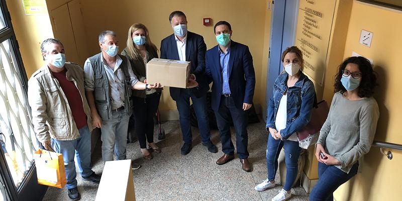 Ayuntamiento de Cuenca, Junta y Diputación reparten material de protección a Infantas de España y a Cocemfe