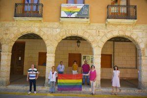 El ayuntamiento de San Clemente muestra su apoyo al colectivo LGTBI