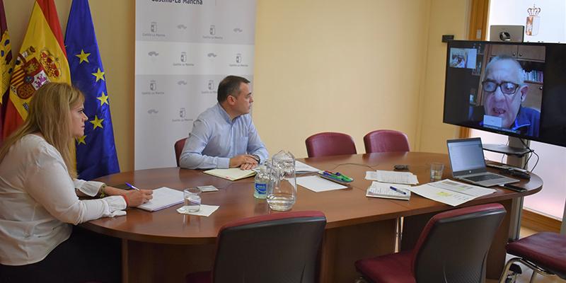 El Gobierno regional anima a los conquenses a apostar por las compras en el sector artesano de Cuenca