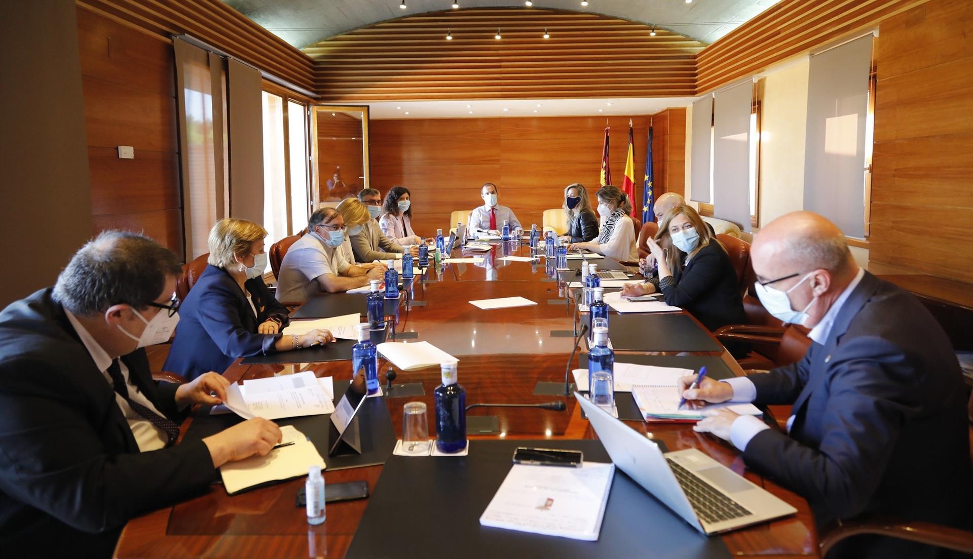 El próximo pleno Cortes incluirá comparecencia de Franco para hablar de medidas para autónomos y pymes por la crisis