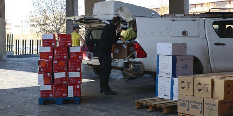 La Junta mantiene la distribución de equipos de protección para los profesionales sanitarios con un nuevo envío de cercano a los 430.000 artículos