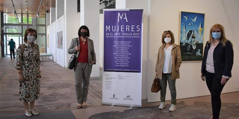 La Sala Iberia acoge una actividad educativa artística dentro de la VI Muestra ´Mujeres en el arte Amalia Avia´