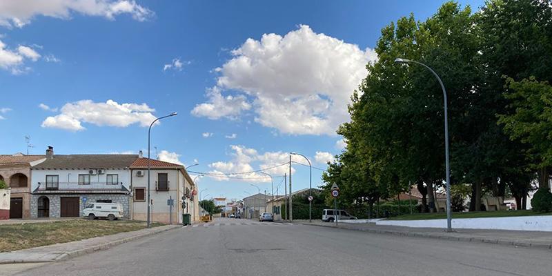 Confinados varios jóvenes en Villamayor de Santiago tras dar positivo un amigo de Madrid que estuvo en el pueblo