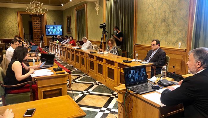"""Dolz asegura que se han sentado las bases de proyectos muy importantes que harán de ésta una legislatura """"próspera"""" para Cuenca"""