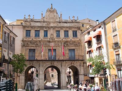 El Ayuntamiento de Cuenca retoma la creación de una bolsa de trabajo de arquitectos para la GMU