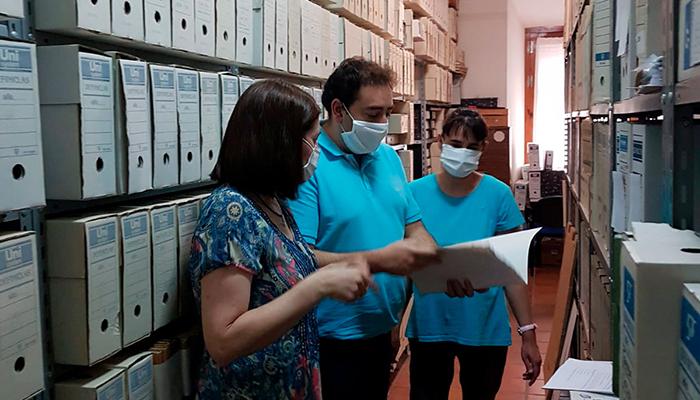 El Ayuntamiento de Huete comienza su plan de mejora del Archivo Municipal