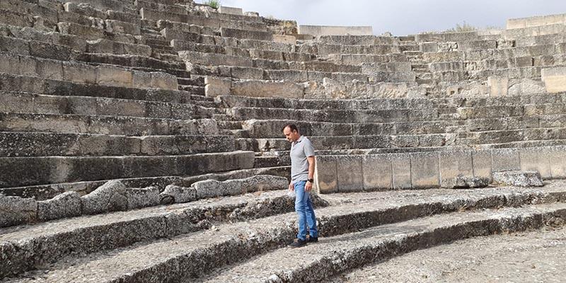 El proyecto de intervención en Segóbriga aumentará el graderío sur del anfiteatro y actuará en la fachada meridional del foro