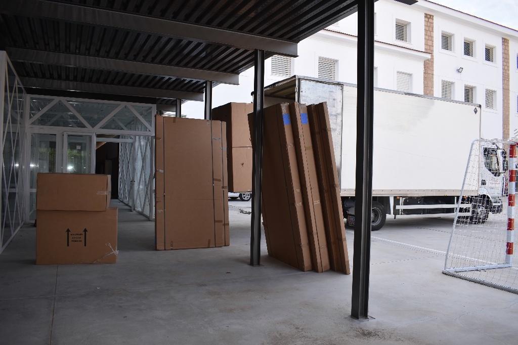 El Gobierno regional comienza el traslado del IES Alfonso VIII a su sede habitual tras las obras de rehabilitación en el edificio