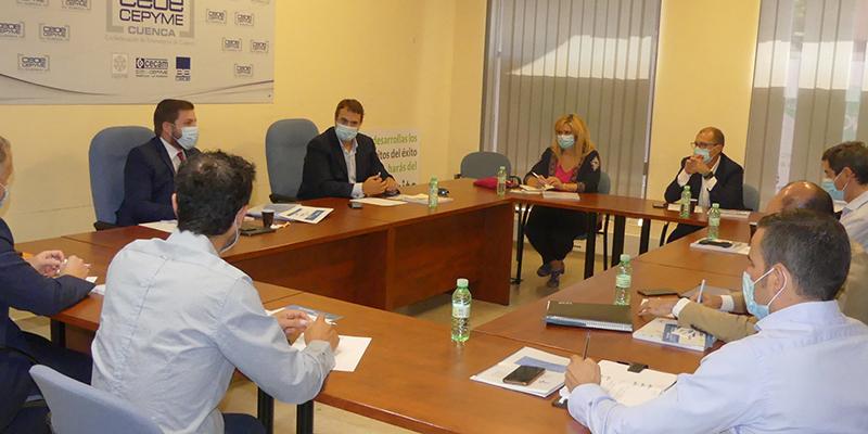 Invierte en Cuenca detalla su proyecto al consejero de Fomento, Nacho Hernando