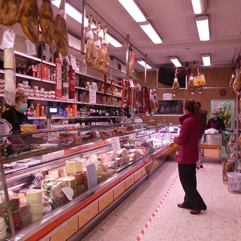 La Asociación del Comercio de Cuenca apunta que abrir domingos y festivos perjudicaría a los pequeños establecimientos