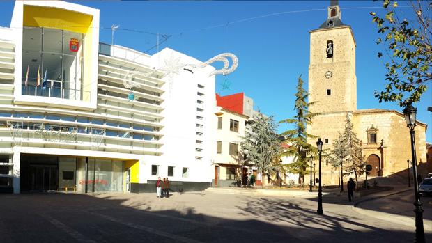 La Inspección de Trabajo impone al alcalde de Quintanar del Rey trece requerimientos para implantar en su Ayuntamiento derechos laborales y restablecer otros que él mismo ha suprimido