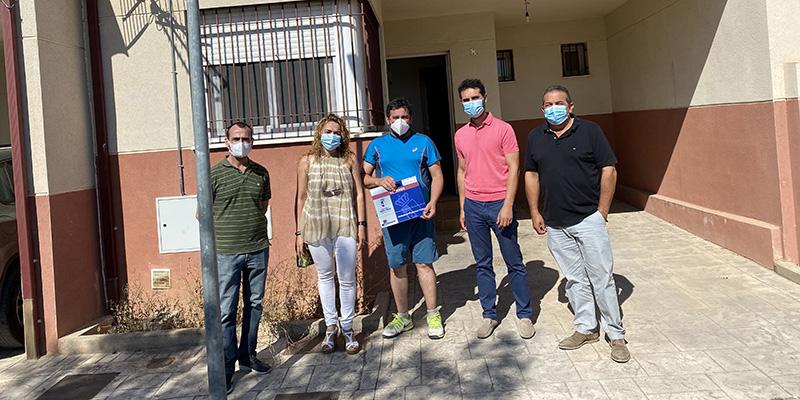 La Junta entrega una vivienda de protección oficial en La Alberca de Zancara