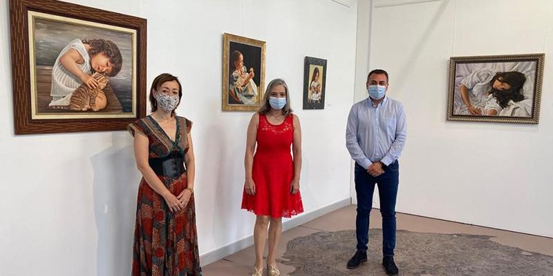 La Sala Iberia acoge la exposición ´Luz y ternura´ de la artista afincada en Horcajo de Santiago, Ascensión Serrano