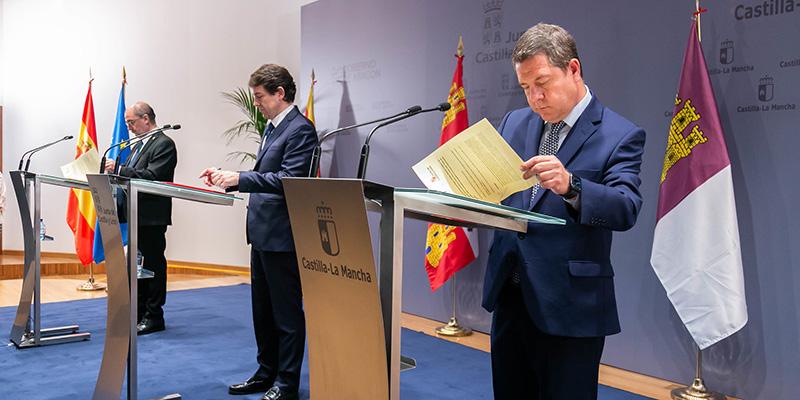Page firma junto a los presidentes de Castilla y León y Aragón la petición de ayudas especiales para Teruel, Cuenca y Soria