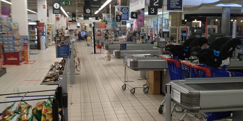 Trabajadores de grandes almacenes de CLM trasladan su indignación a UGT por trabajar los últimos domingos a pesar del vacío en los centros comerciales