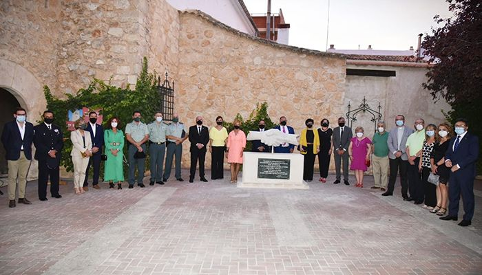 El Ayuntamiento de San Clemente homenajea a los colectivos expuestos frente al COVID-19